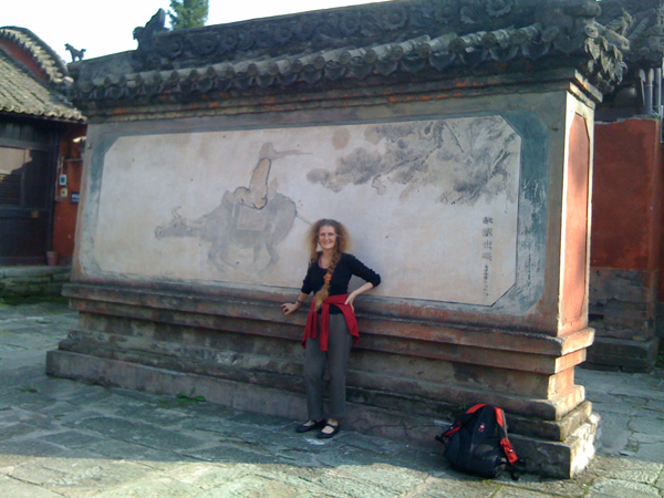 Freya with Laozi in ruined temple in Wudang Mountain